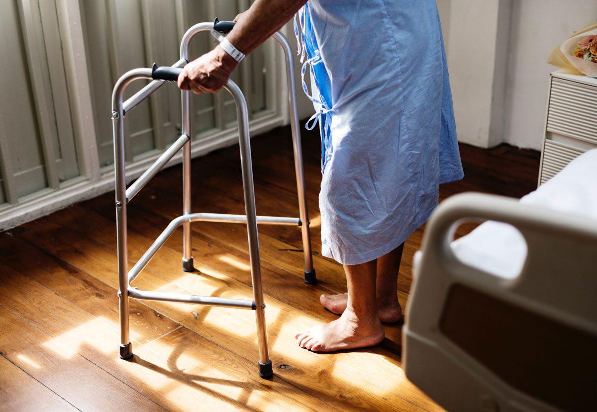 choroby-otepienne-opieka-osoby-starsze-1200x829.jpg